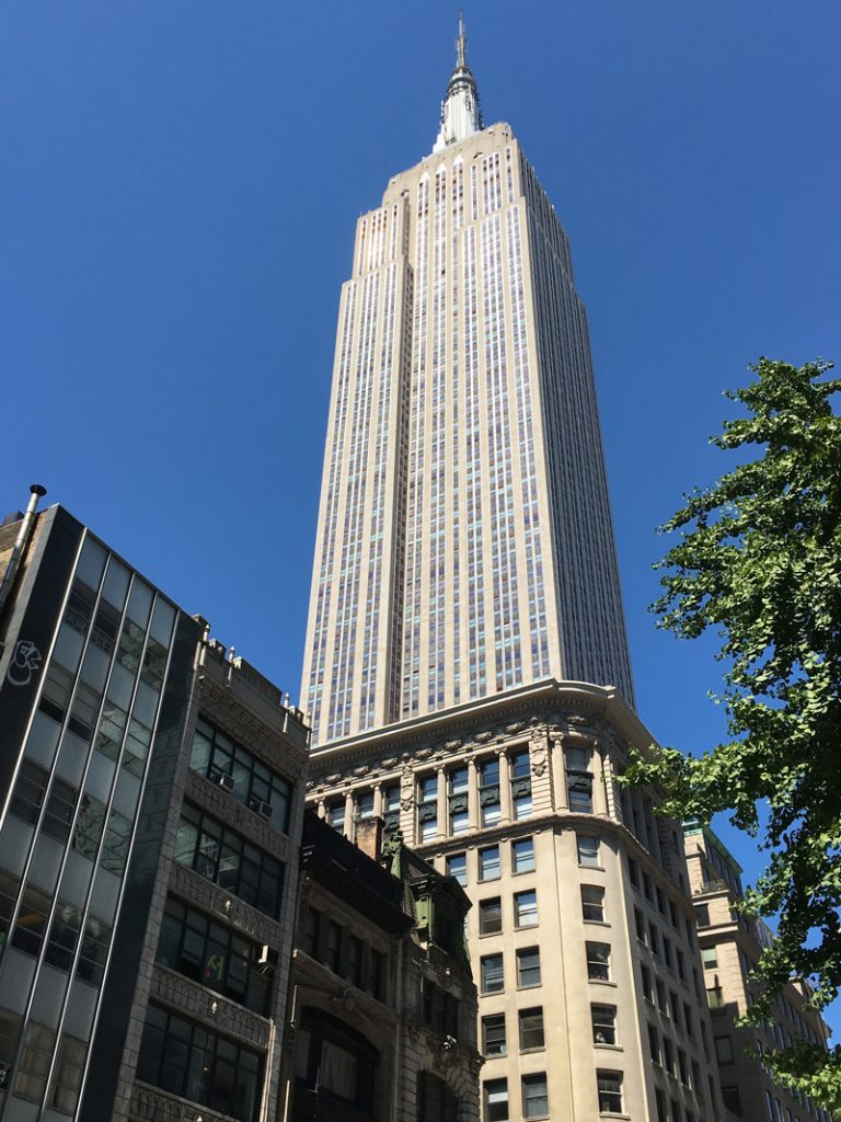 empire-state-building-new-york-looping-magazin