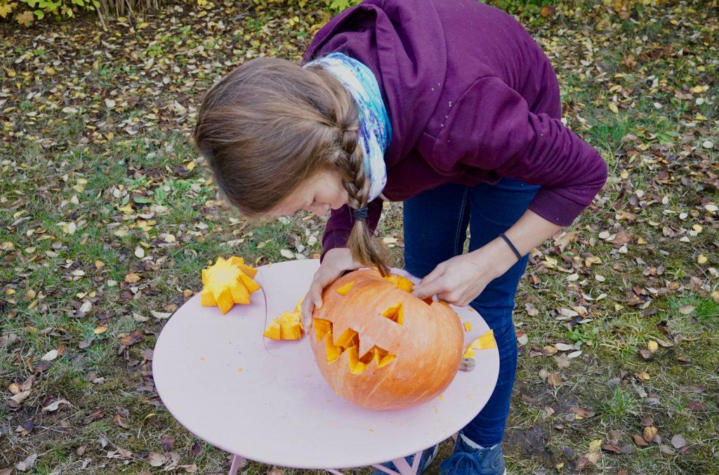 feinschliff halloween kuerbis basteln