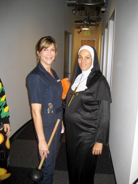 looping-halloween-los-angeles-schwangere-nonne