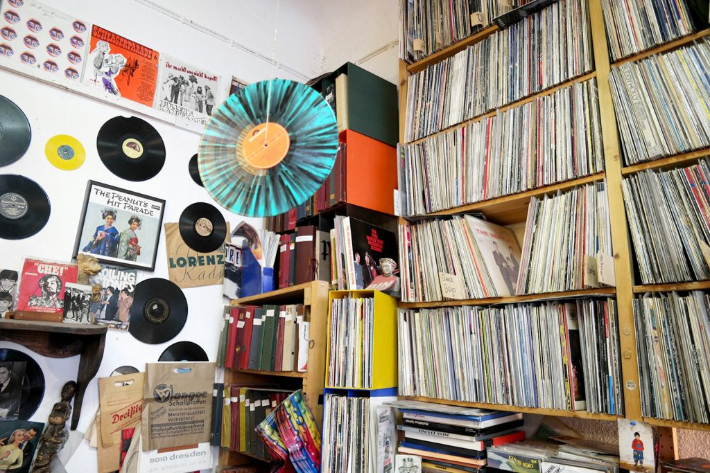 Hype Um Vinyl Zu Besuch Bei Platten Pedro In Berlin