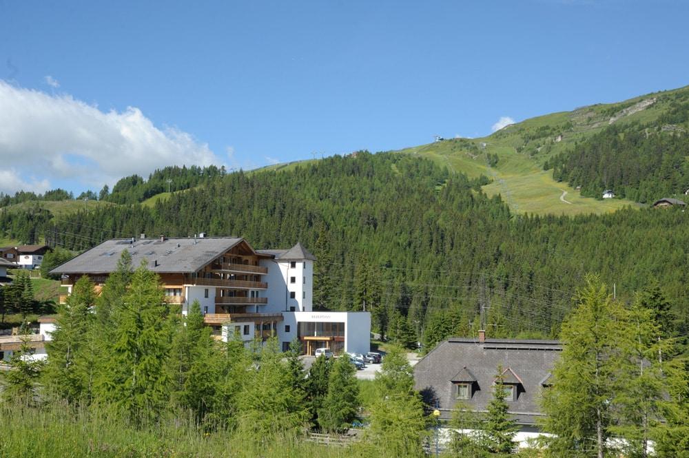 Alpenhaus-und-Umgebung-(c)-Fotostudio-Holitzky-loopigmagazin