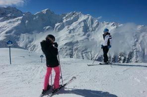 """Welcome in """"Stanton"""" (sprich: stäntn). Endlos skifahren in St. Anton"""