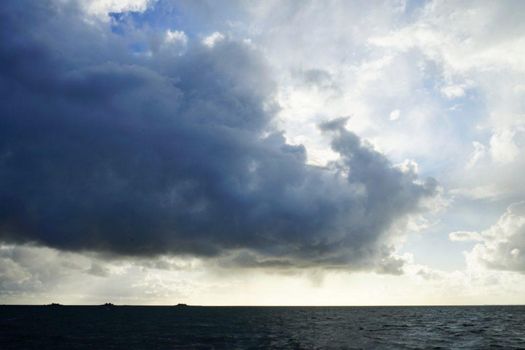wolken ueber dem Meer