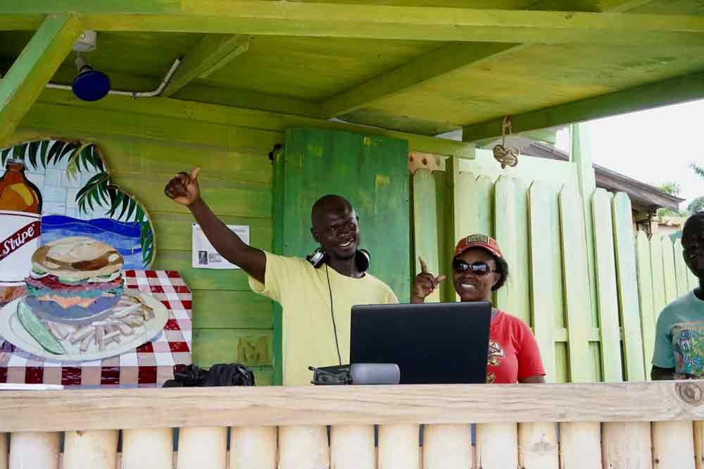 DJ Strandbar Margaritaville 7 Mile Beach Jamiaka