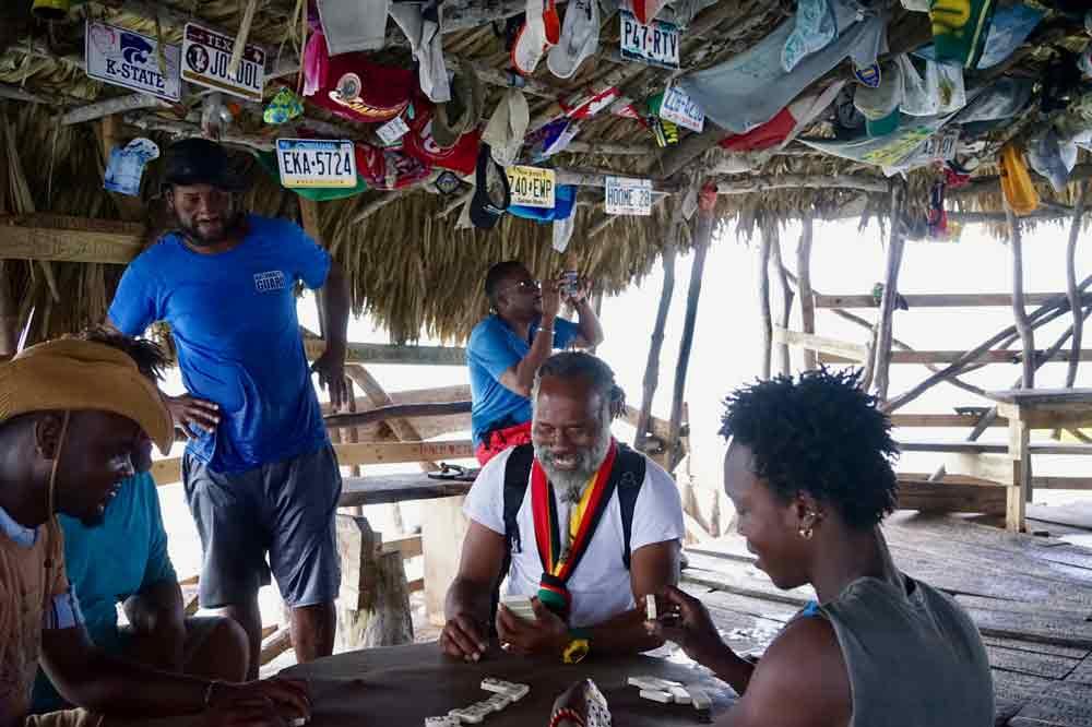 Dominospieler Floyds Pelikan Bar Jamaika