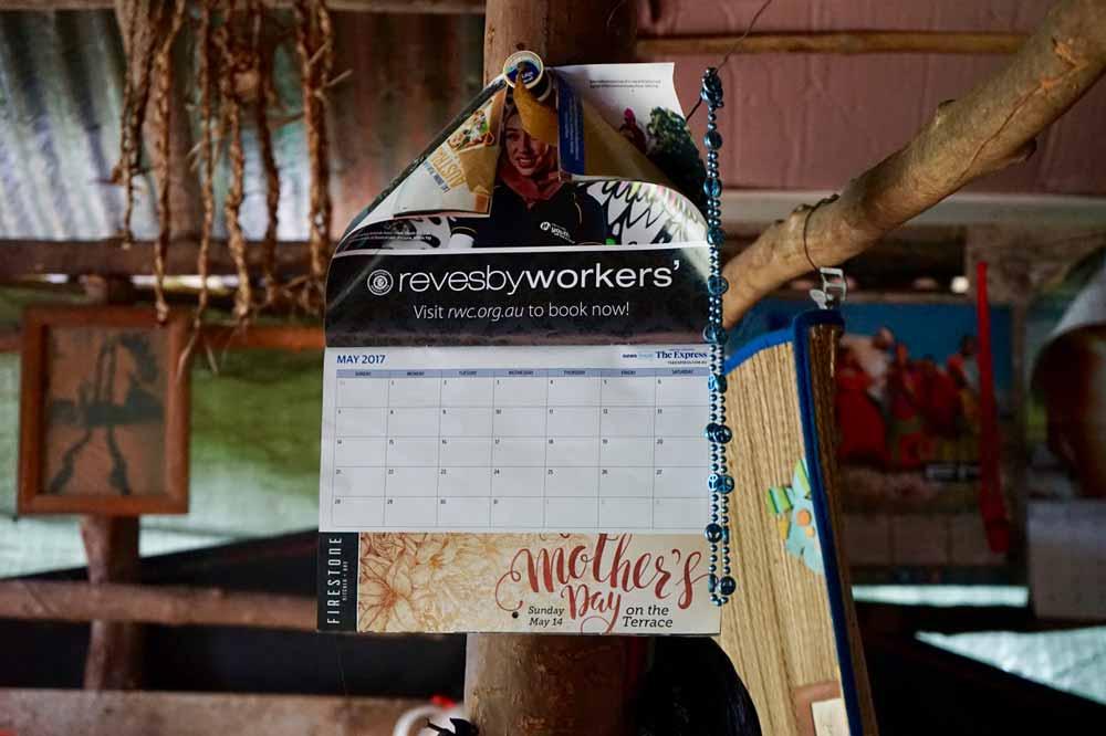 Kalender in der Huette von Fire Rastaman auf Jamaika