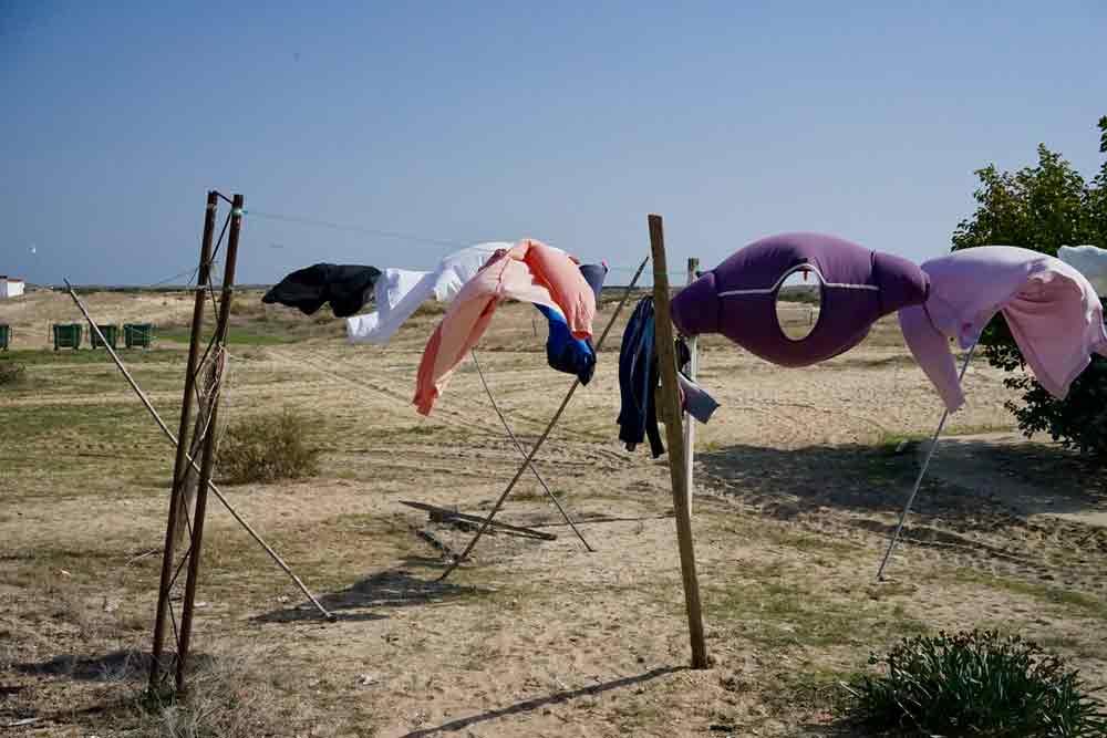 waesche trocknen auf Farol Insel Ostalgarve