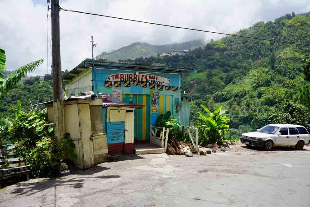 Bunte Haeuser auf Jamaika
