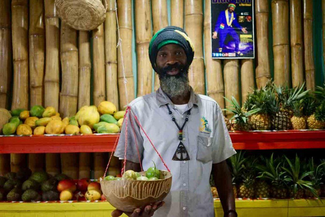 Yahya El, Rasta und Chef von Fancy Fruits auf Jamaika