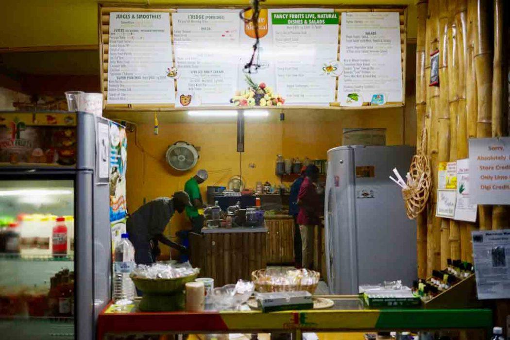 Bei Fancy Fruits gibt es heilendes Essen auf Jamaika