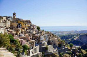 """""""Come to Calabria"""" oder wie man ein ganzes Dorf rettet."""