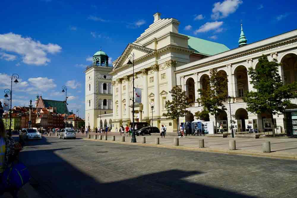 Ansicht der St.-Annen-Kirche in Warschau