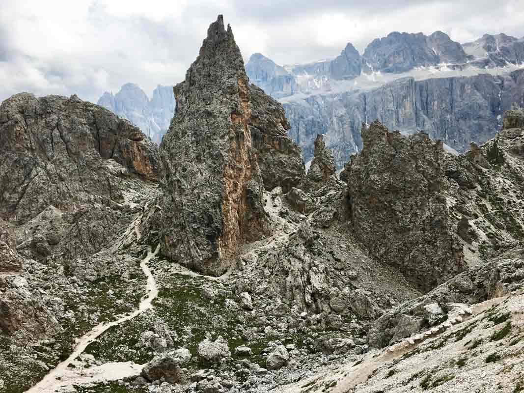 schroffe berge dolomiten hoehenweg 2