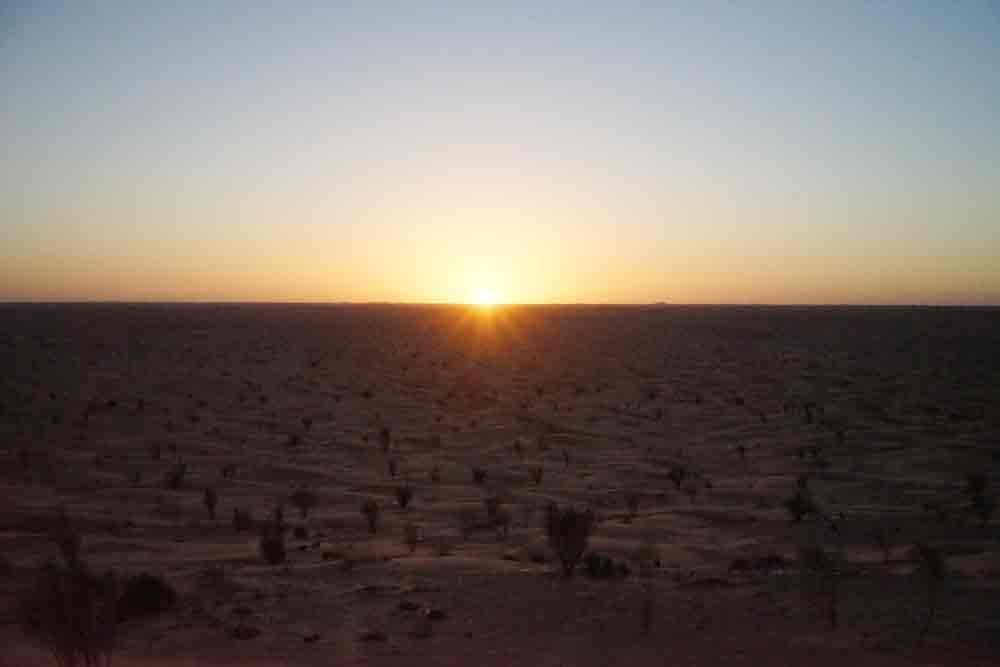 Sonnenaufgang Wüstencamp in Tunesien