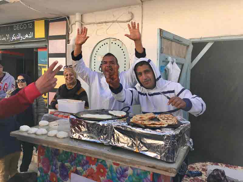 Metabga-mit-Harissa-teigfladen-Tunesien