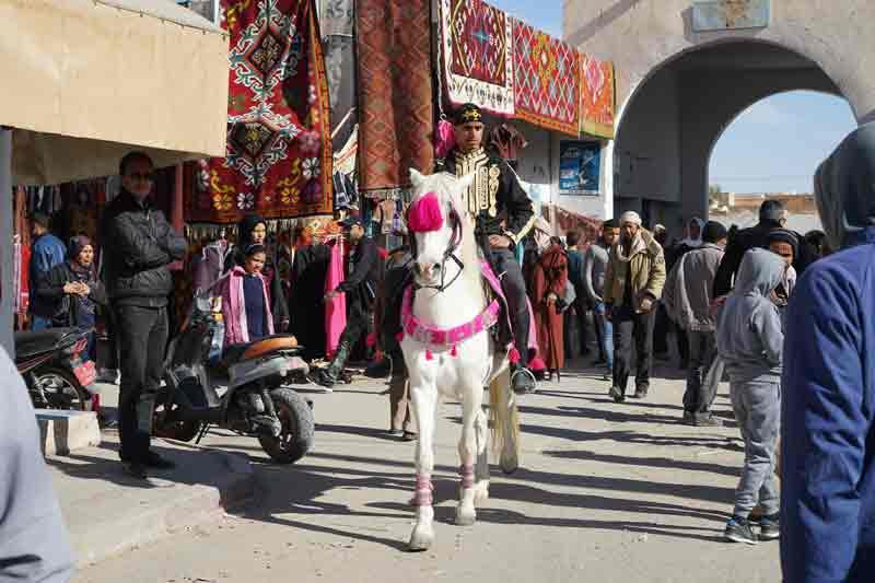 Sahara-festival-Douz-Tunesien-Reiter