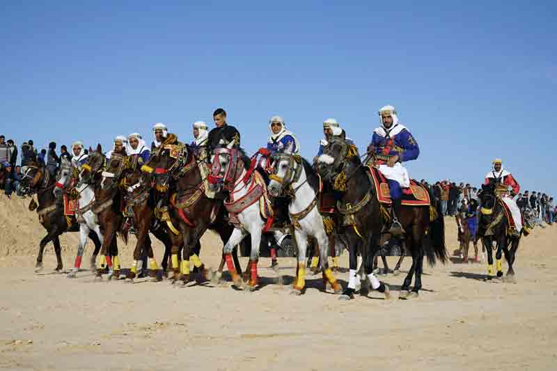 Umzug der Reiter Sahara Festival Douz