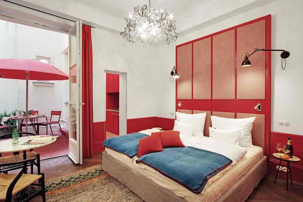 Zimmer-mit-Innenhof-Paris-Hollmann