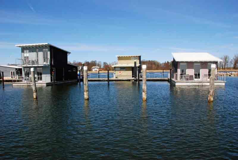 schwimmende Häuser im Jaich Rügen