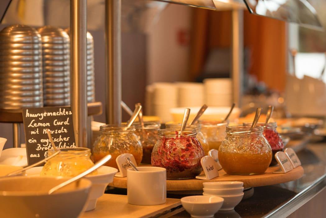 fruehstueck-buffet-the-grand-ahrenshoop