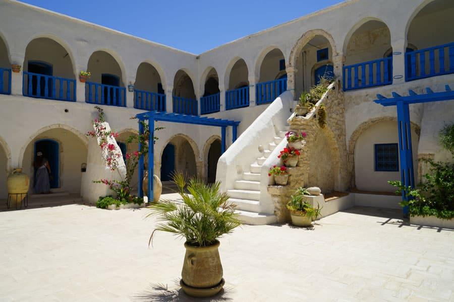 Innenhof Hotel Marhala Houmt Sou Djerba Tunesien
