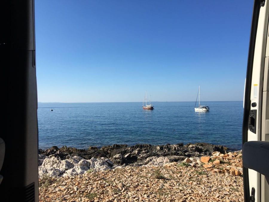 Roadtrip Kroatien Camp Mala Milna Platz direkt am Meer
