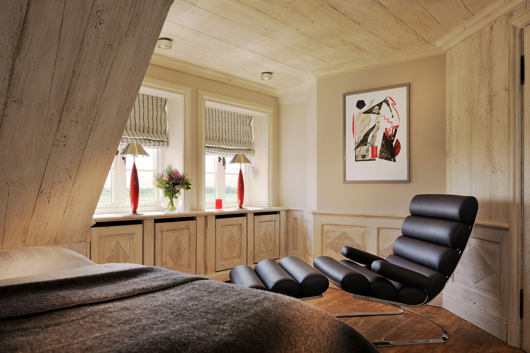 senhoog-luxury-holidy-homes-sylt-designerstuhl