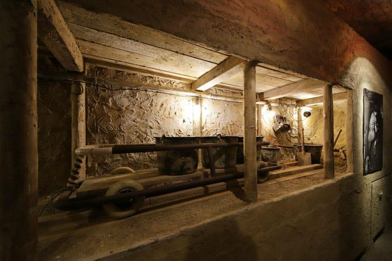 Fluchttunnel Tour M ©Berliner Unterwelten e.V./Holger Happel