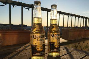 Wir reisen im Kopf. Stell das Bier kalt!